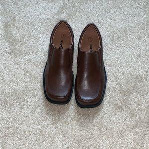 NWT boys Smartfit brown slip on dress shoes